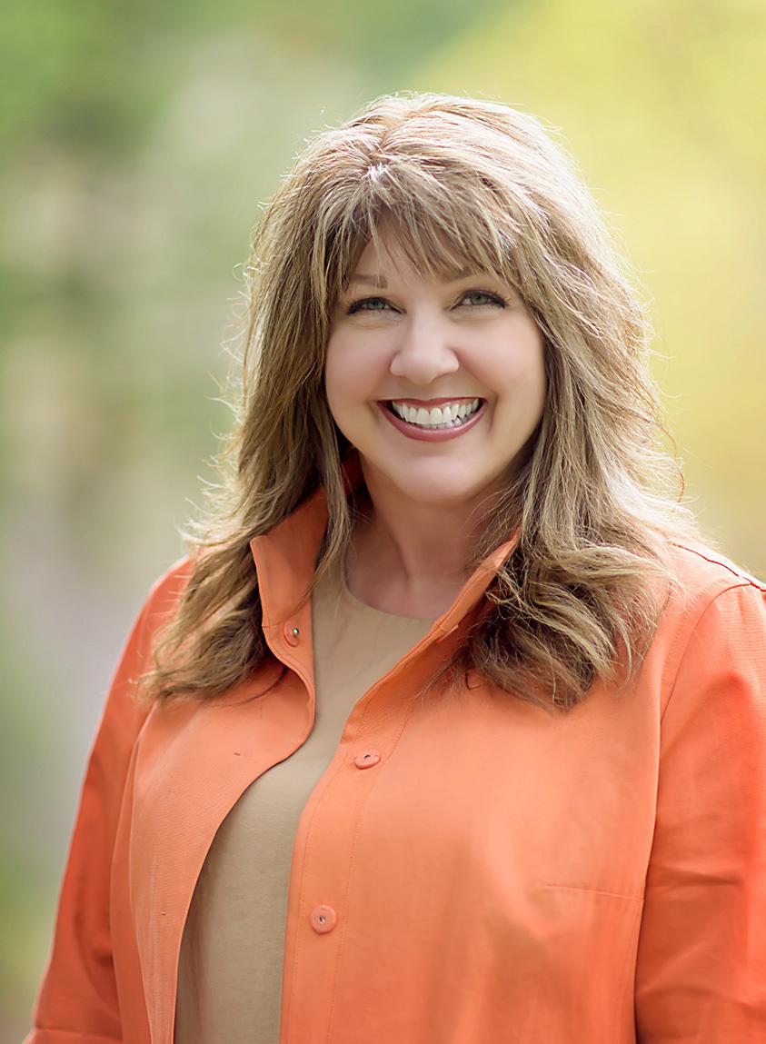 Michele Robbins Headshot